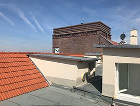 Dach und Uhr